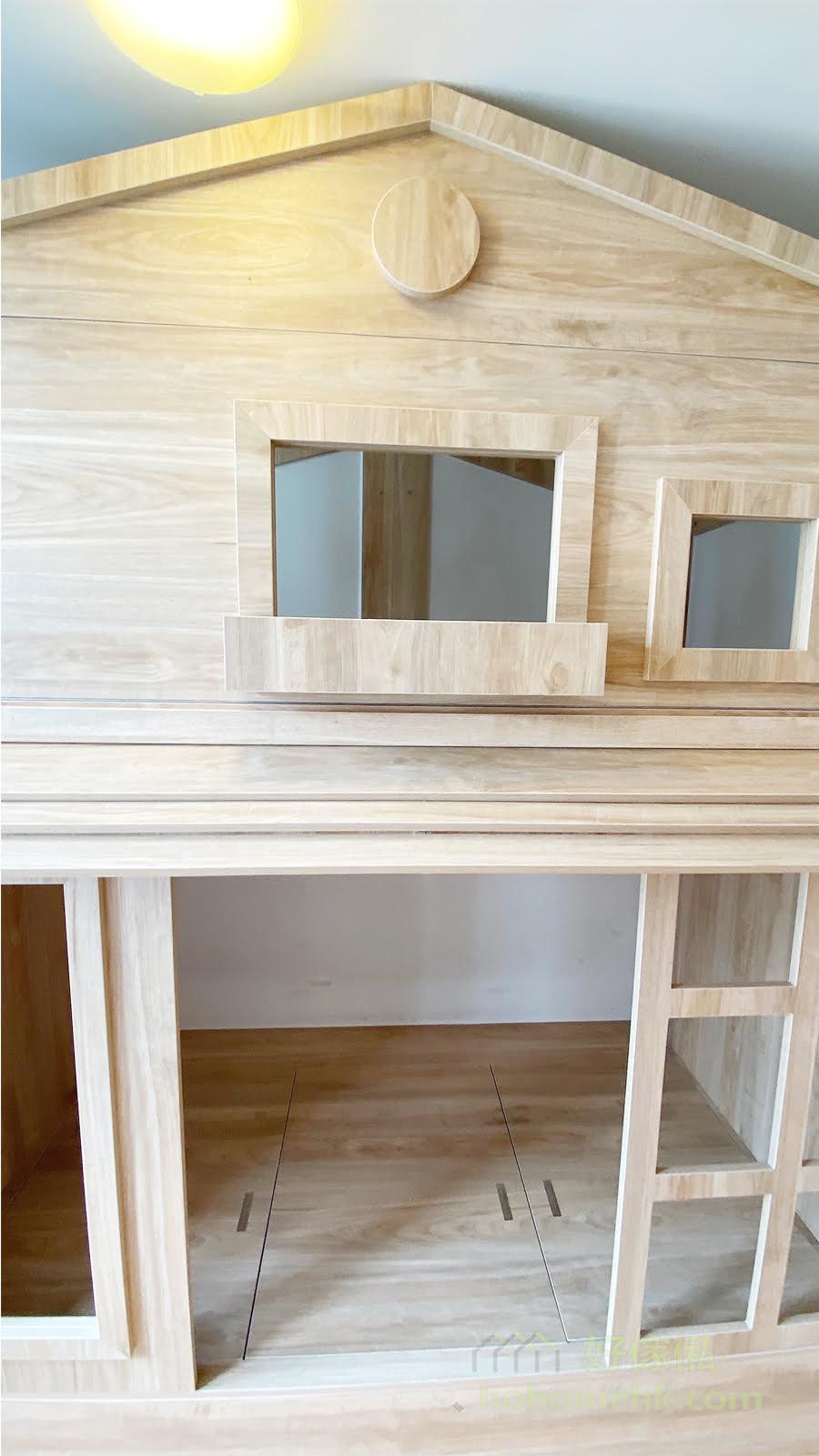 床架有窗有門的造型設計,讓孩子有一間屬於自己的小屋子的感覺