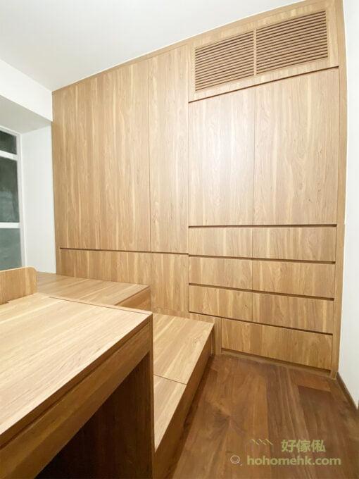 用百葉門板把冷氣機藏在櫃內,可以令牆面更乾淨