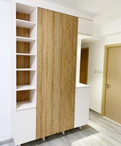 儲物櫃的左側以開放式收納層架作收納,可以單用,也可以配合收納籃、收納盒或者文件盒自由使用