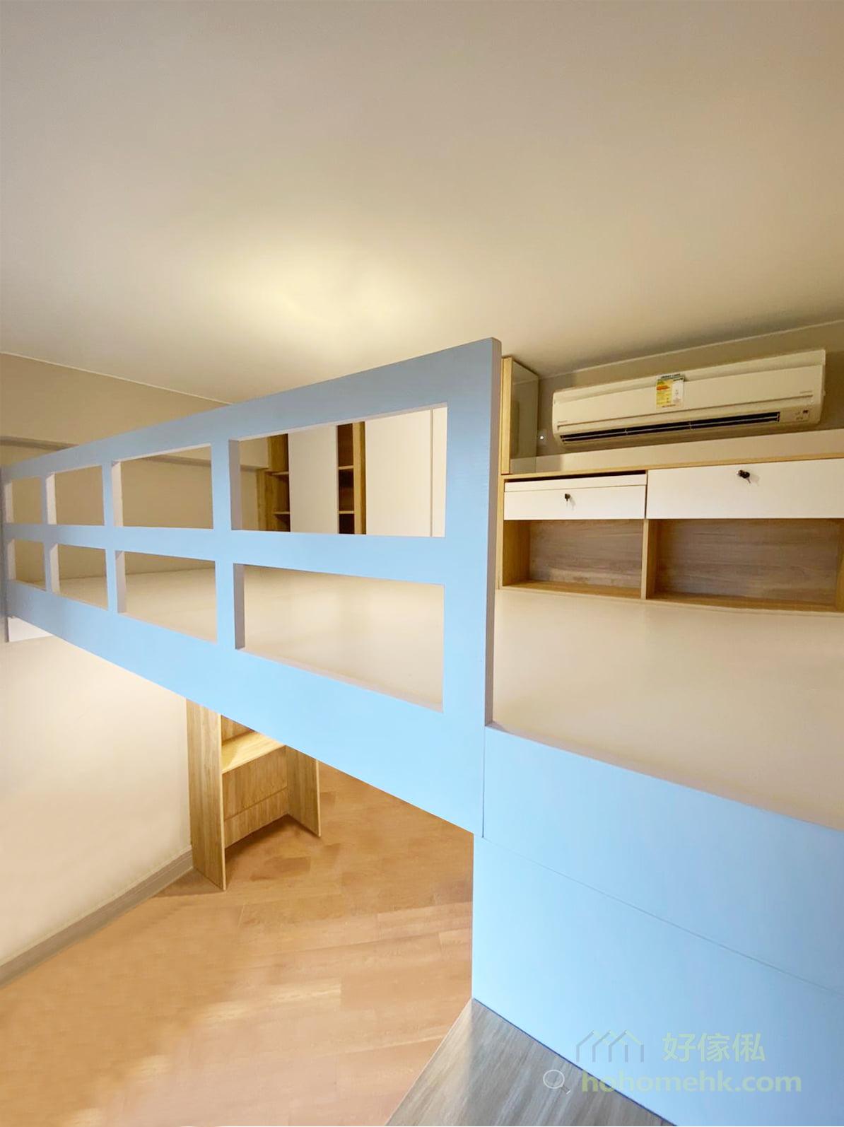 客廳閣樓將動態與靜態活動空間分開,同時保留最佳的採光面