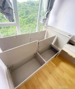 半身床頭櫃可算是床頭板的變奏,半身的高度不會遮掉窗外的光線,也不怕有壓迫感,適合用於近窗邊的床,床頭櫃頂就成了置物的平台