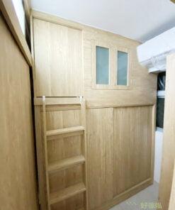 間房內的碌架床,下層是一個擁有極大容量的趟門衣櫃,可以存放行李箱及大型收納箱