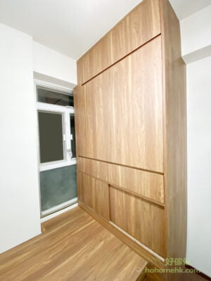 睡房中的子母床連書枱/吊櫃/窗台櫃及衣櫃