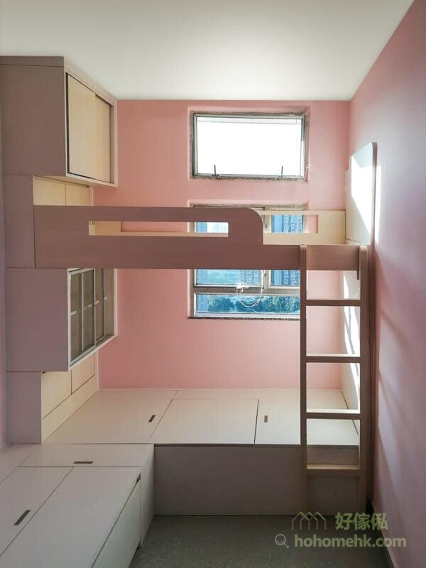 不想空間過於幼稚的話,可選擇分段式搭配,即是以粉紅色作主調,再配襯米色或白色作為輔助色,讓粉色房間增加設計感,也稍稍降低粉紅色的耀眼度,更適合現代家居的氛圍