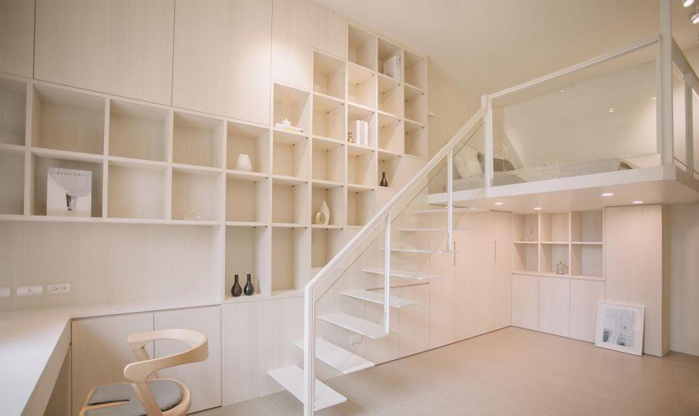 高牆垂直面用途不多,卻是不可錯過的收納區
