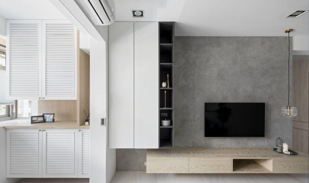 淺木配白的配色是現在簡約風最常見的配色,與淺色的地板和牆身很好搭配,透著絲絲的清新感覺,空間感充足同時令人覺得舒適自在