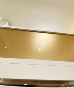 磨砂玻璃可以做到透光而不透明的效果,用於閣樓床的圍欄可以採光同時有一定的私隱度