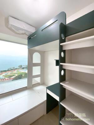 墨綠色與白色搭配下,白色有提亮墨綠色的效果,讓空間保持明亮舒適