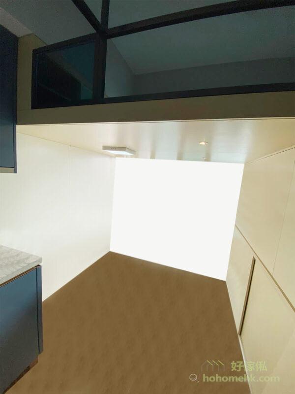 閣樓底下的儲物櫃可與樓梯櫃結合,打造成更大更好用的儲物組合,部份用零碎的角落可變成樓梯的櫃桶或揭板儲物箱,將所有空間都用作儲物