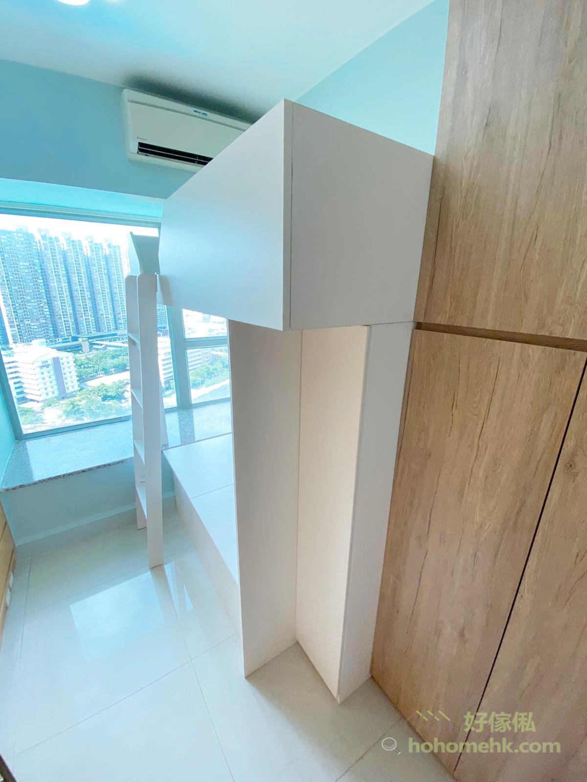 碌架床的床架要避免有過多的圍欄或檔板或儲物櫃,盡量保持上下格床的通爽,讓空氣可以自由流動,才能夠排走熱空氣
