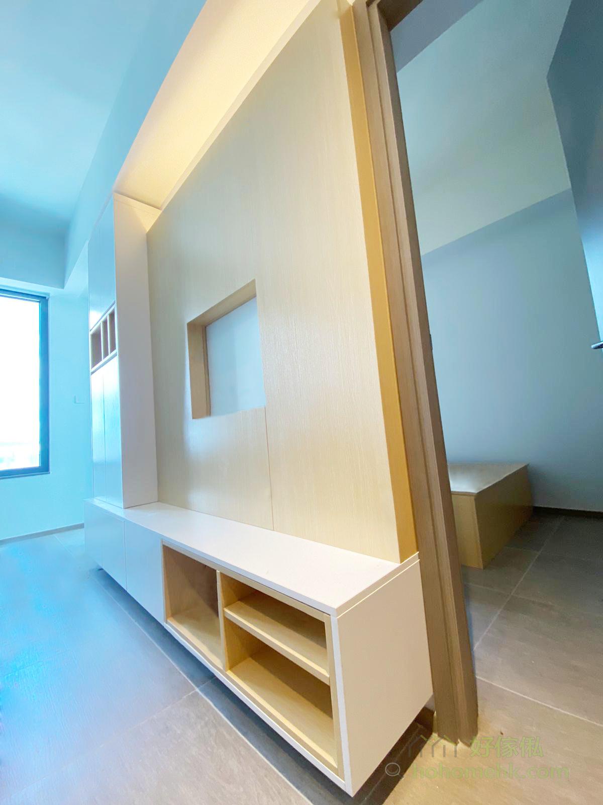 純白與淺木色是永遠不會出錯的拼色,拼色搭配純色和木紋不同的材質拼法,能夠堆砌出空間的層次感