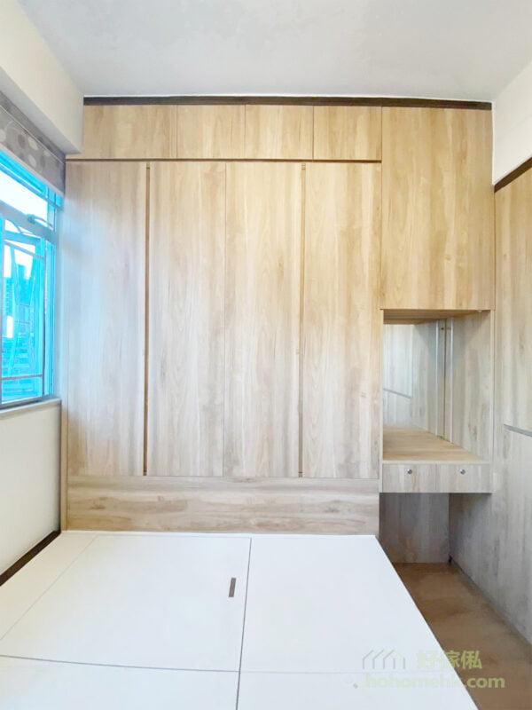 嵌入式衣櫃可以幫你拉平空間中不平整的部份,例如凸出來的樑柱,拉平後的空間更加方正,會令視覺上的觀感更加舒服、俐落