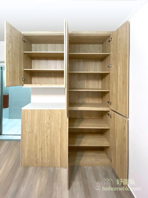 玄關櫃主要以鞋子收納為主,鞋櫃的深度建議做35-40公分才好用