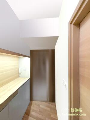 一個寬敞的玄關檯面作暫時性的收納是保持家裡整潔的關鍵
