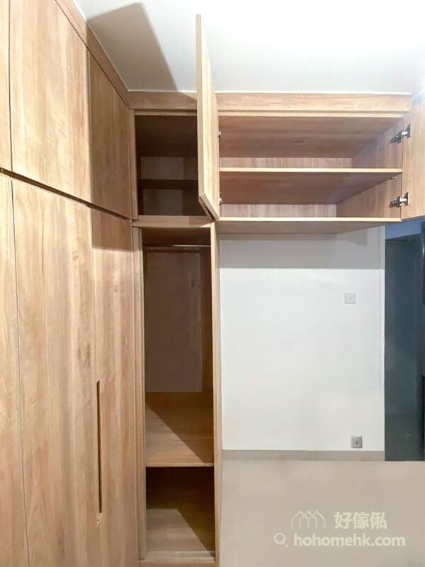 間隔同樣可以訂造,例如地櫃與吊櫃的高度分佈,格層的大小高矮都可以配合用家的需要而訂制