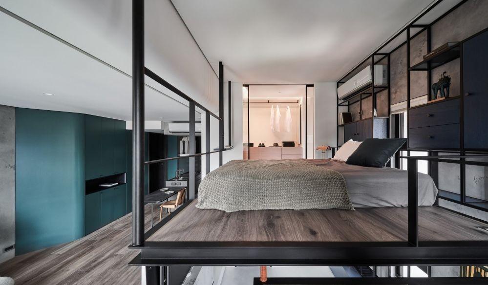 在空間有限的現實下,納米單位多數會利用高樓底將睡房規劃在閣樓之上,放上床褥或床墊就變成舒適的休眠空間,為家裡打造多一間睡