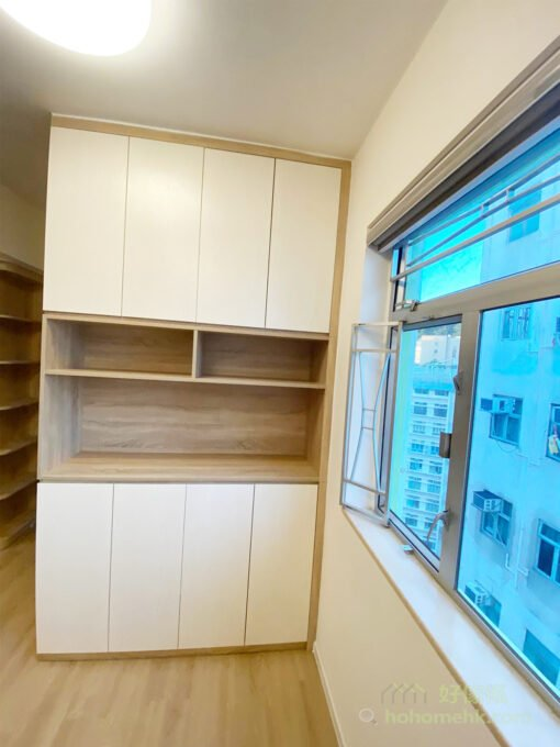 家裡的平面空間十分有限,這時便要好好運用垂直高度作收納,高身櫃就可以用盡室內的垂直空間