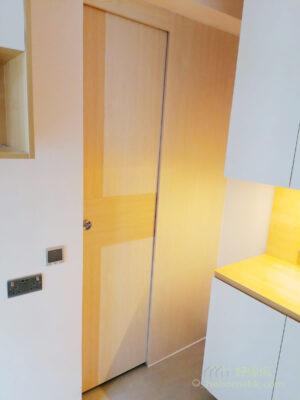 以吊趟門做間房趟門,簡約的外表讓空間化繁為簡,釋放更多實用面積,在小空間更顯珍貴