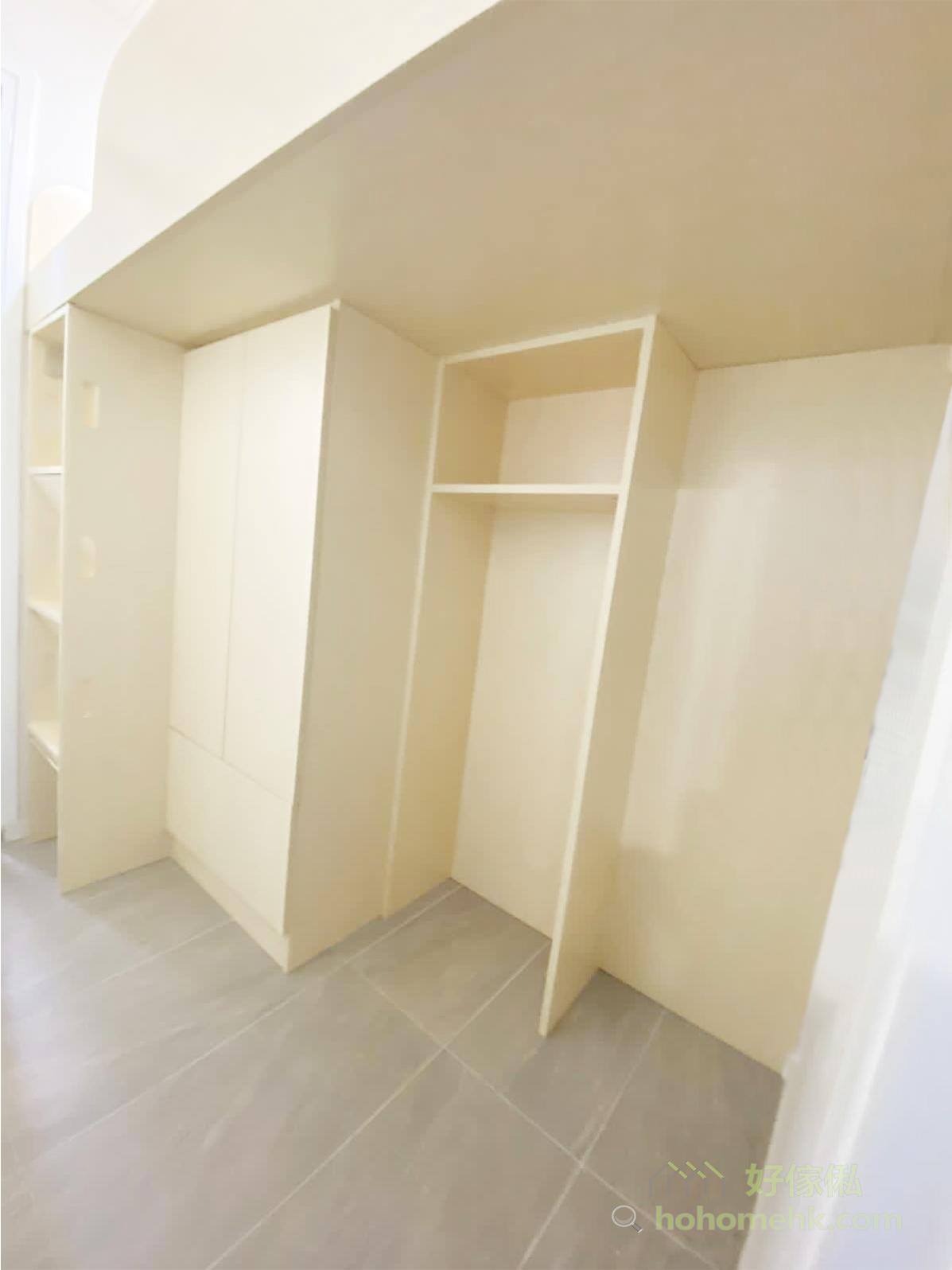 將工人姐姐的睡床升高,變成高架床,就可以騰出下層的空間儲物,整齊劃分好上層是休息區,下層是儲物區
