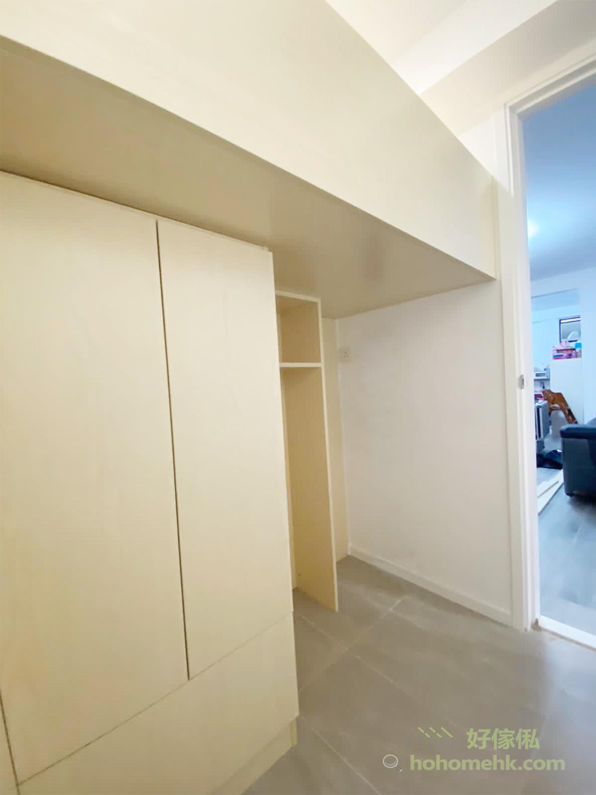 將工人房與儲物房功能合併,是出於對生活習慣的考慮,這樣既方便工人姐姐做家務,又不會影響客廳及廚房的動線