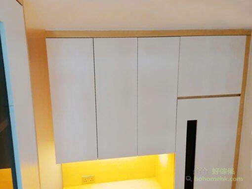 到頂的C字櫃,充份利用樓底的高度,達至最強的收納系統,加上收口服務,為儲物櫃與天花板及牆身之間封膠,讓屋主免去縫隙積塵的煩惱