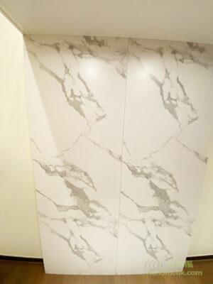 加厚實木夾板承載力強,確保閣樓的結構穩固和安全,配上大理石紋飾面,增加客廳的華麗感和空間感