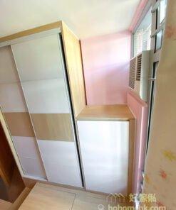 設計師會為傢俬訂製最合適的高度,確保儲物櫃和床架都不會影響冷氣出風口