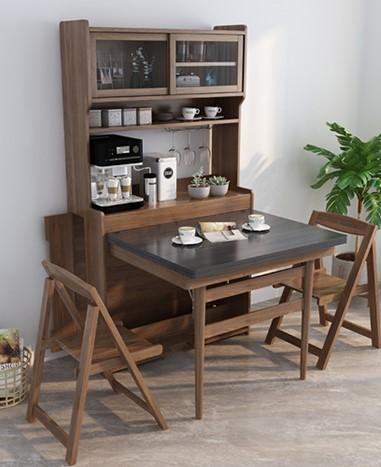 大大小小的家具,往往佔據了不少空間,然而未必所有家具都長期處於使用狀態,例如隱形床、伸縮餐桌等,不需使用的時候將它隱藏起來,需要時再展開來,這些家具都可以隱藏在高身櫃裡