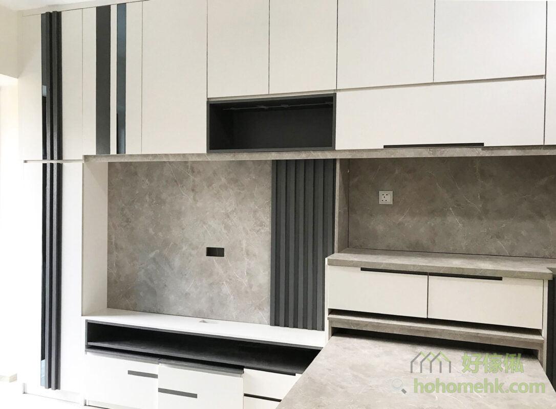 客廳電視櫃連伸縮餐枱, 在電視櫃用上石紋背板,伸縮餐枱亦用上同款的石紋板材,風格統一而且可以提升空間質感