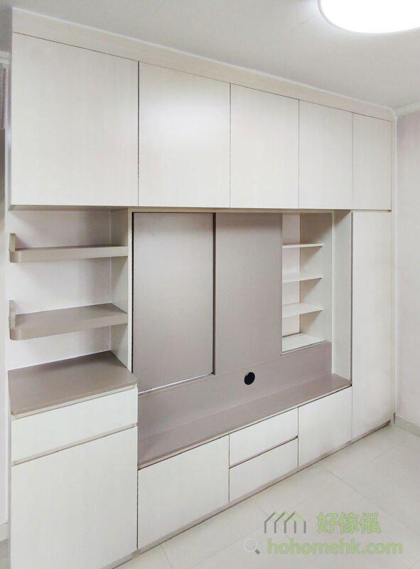 客廳電視櫃/儲物櫃,在邊位採用小圓角設計,行出行入便不易碰傷
